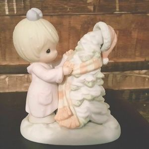 """Precious Moments Figurine """"Have A Cozy Country Chr"""